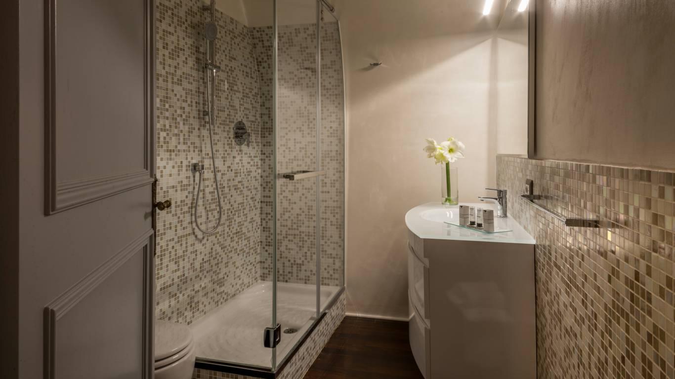 palazzo-de-cupis-rome-bathroom14
